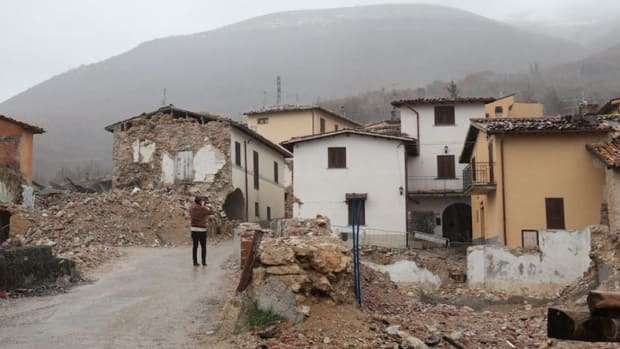 "Adoption & community - ""Real Users"": Bitcoin Donations Helped These Earthquake Survivors Recover"