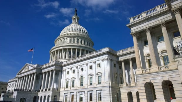 "Regulation - Coin Center to Congress: Give Blockchain Developers ""Safe Harbor"""