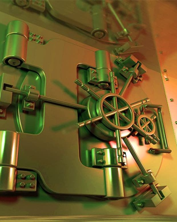 Privacy & security - Is Bitcoin the New Swiss Bank Account (And Is That a Problem?)