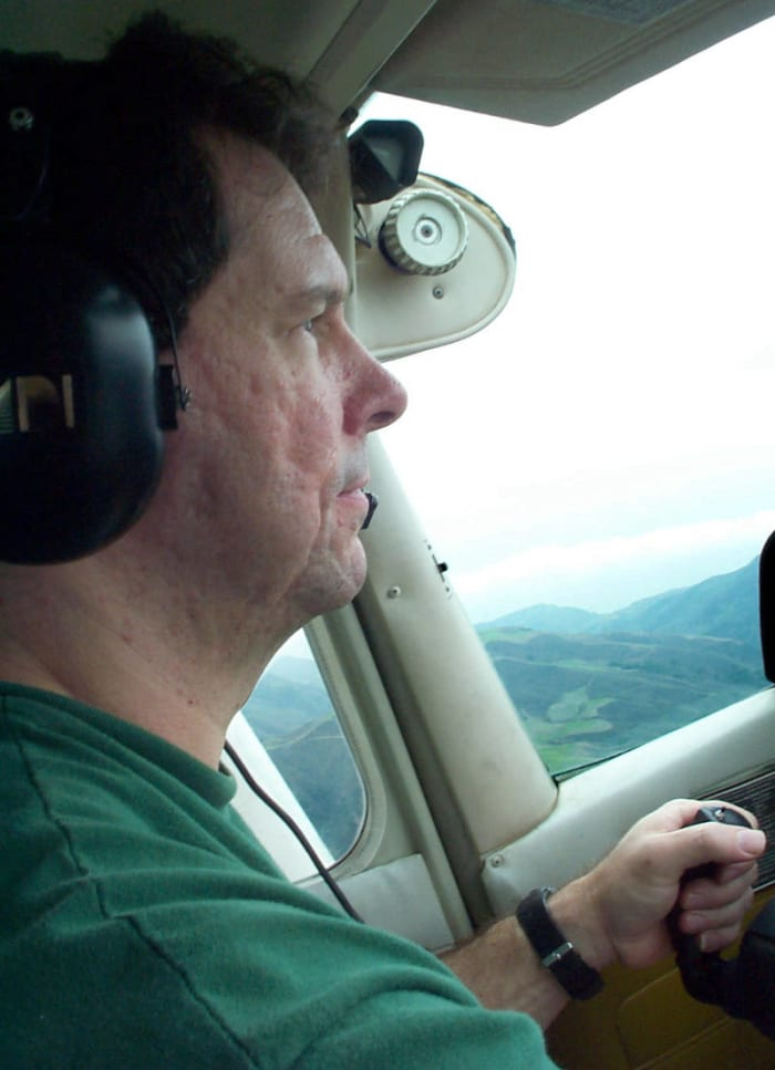hal finney flying cessna plane