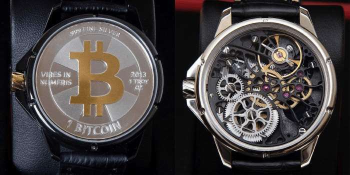 The back of a Hodlsmith watch with Casascius coin (left) and without (right).