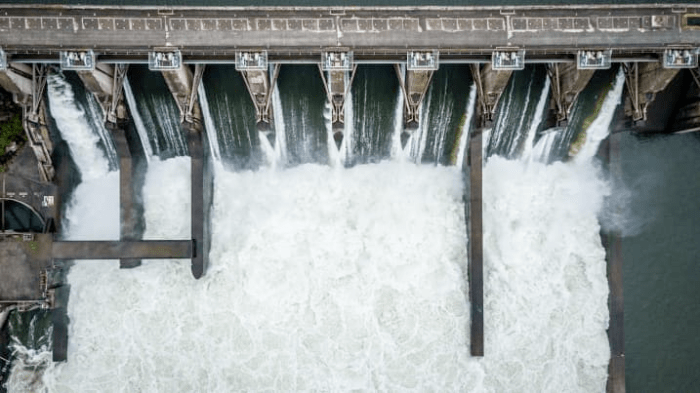 The SCATE Ventures mining farm runs on hydropower generated by the Dalles Dam. Source