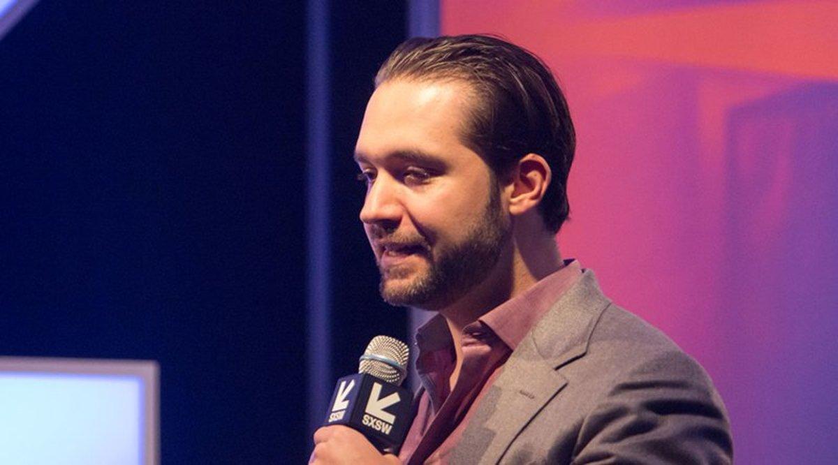 Investing - Reddit Co-Founder Bullish Despite Bitcoin Volatility