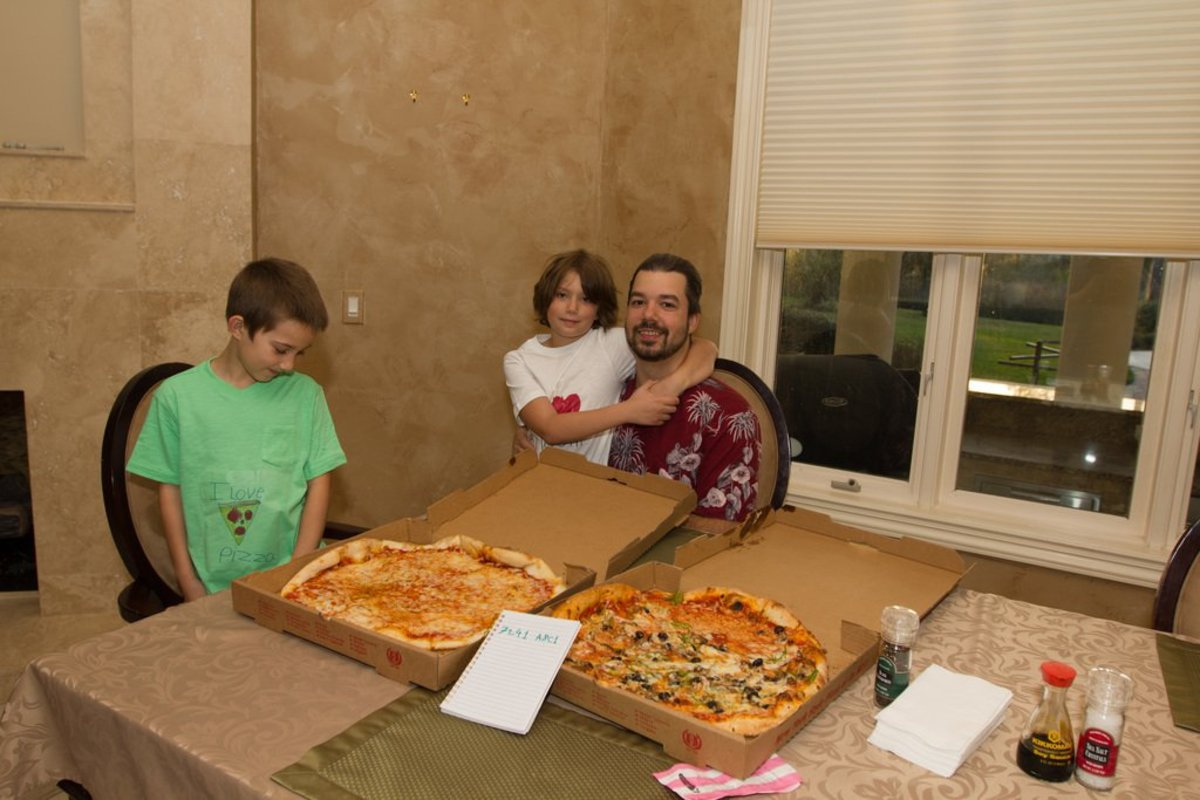 Lazlo Hanyecz enjoying his pizzas. Source: http://eclipse.heliacal.net/~solar/bitcoin/lightning-pizza/