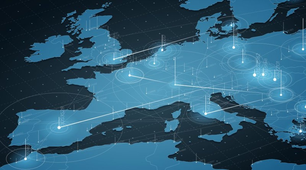 Regulation - European Commission Urges Nations to Embrace Blockchain Tech but Address Risks