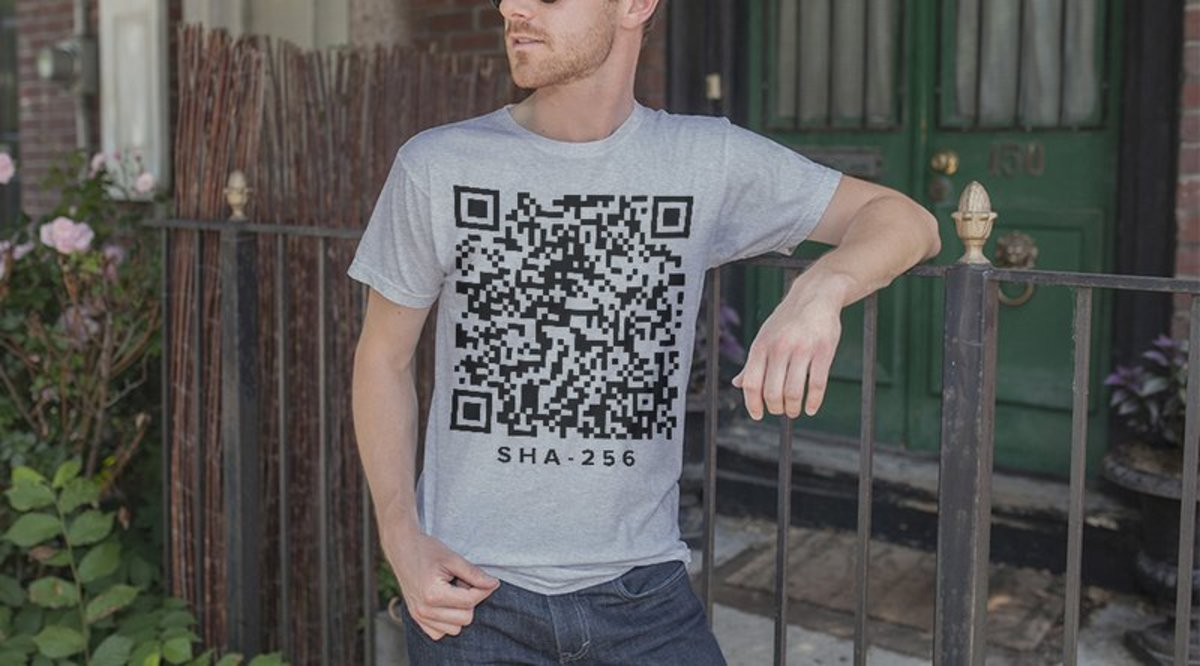 Op-ed - Bitcoin Researcher Has Bitcoins Stolen From Private Key on Shirt