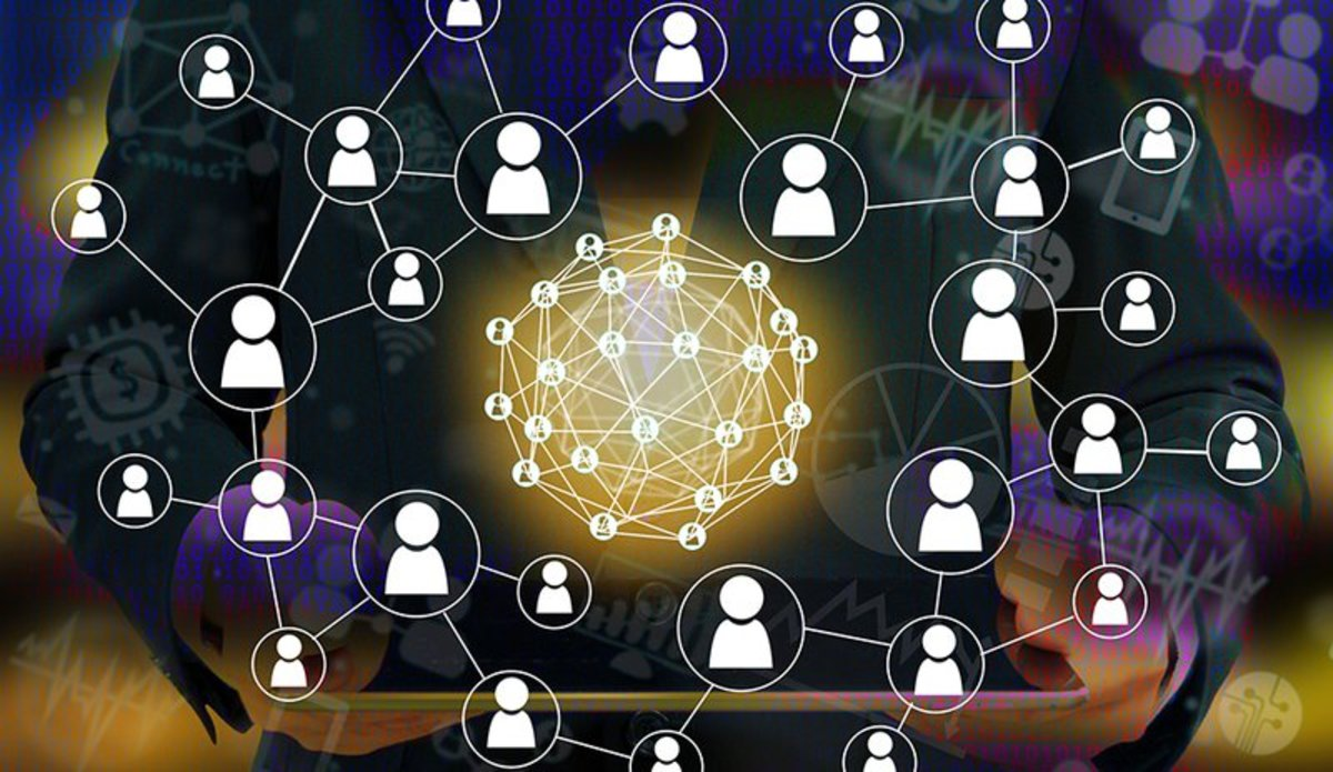Startups - Decentralizing the Sharing Economy With Blockchain Technology