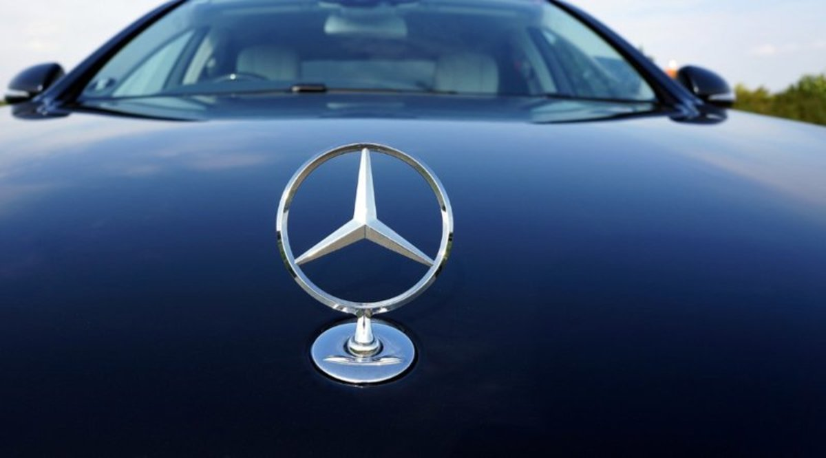 """Adoption - Daimler Financial Services Acquires Bitcoin Operator PayCash Europe to Launch Mobility Service """"Mercedes Pay"""""""
