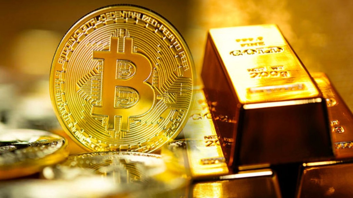 Gold bar and gold bitcoin image
