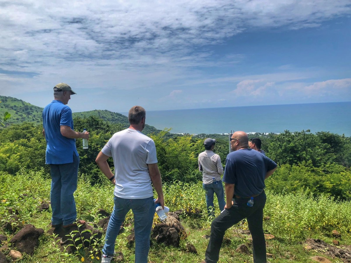 The collaborative team for Gran Zonte at Bitcoin Beach taking in the breathtaking views
